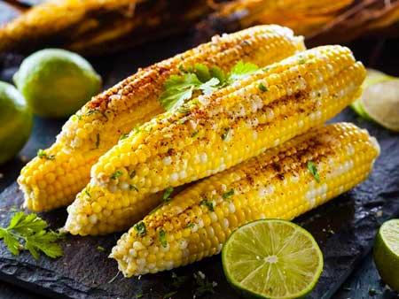 Содержание клетчатки в разных типах кукурузы варьируется, но обычно составляет около 9-15% (1, 2).