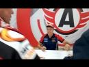 Автограф сессия прославленных уральских автогонщиков Сергея Карякина и Антона Власюка