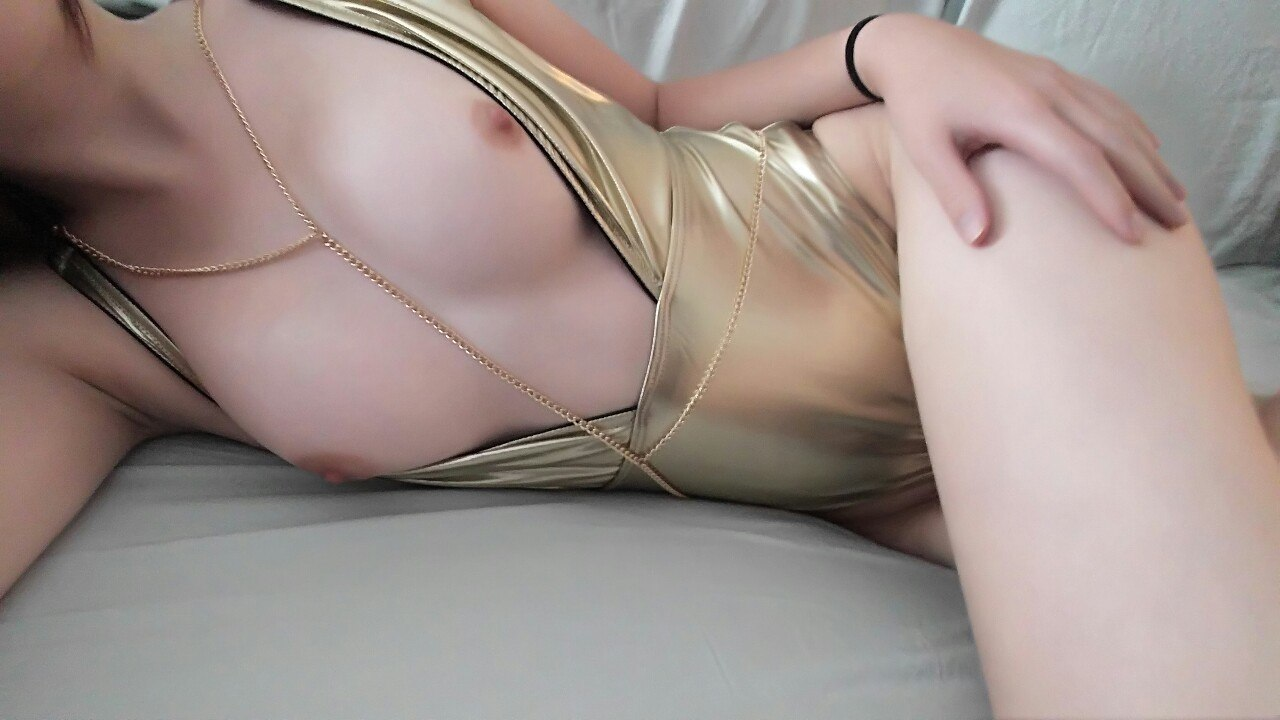 Lascivious jap playgirl in ropes throat drilled