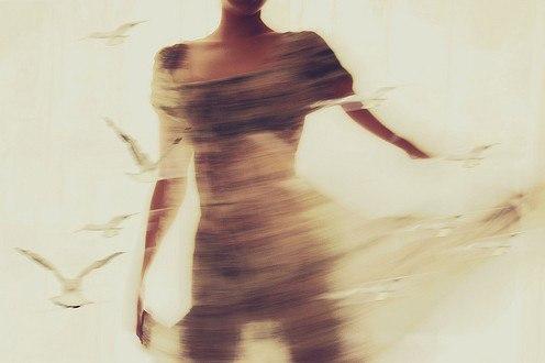 Настанет день, когда, увидев свое отражение в зеркале, ты улыбнешься себе.