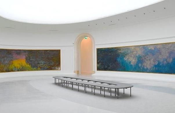 """Самые большие работы Моне - """"Памятник миру"""" - были задуманы как подарок родине."""