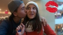 ПИКАП ПРАНК ЦЕЛУЕМ ДЕВУШЕК Kissing Selfie Surprise МАТ