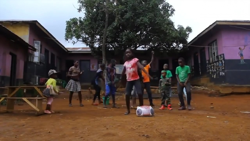 Jungle - Joan John. Eurohit 90s. Ghetto kids dancing
