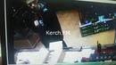 Владислав Росляков покупает патроны в оружейном магазине Керчи