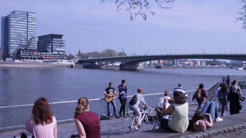 Кёльнская набережная, берег Рейна