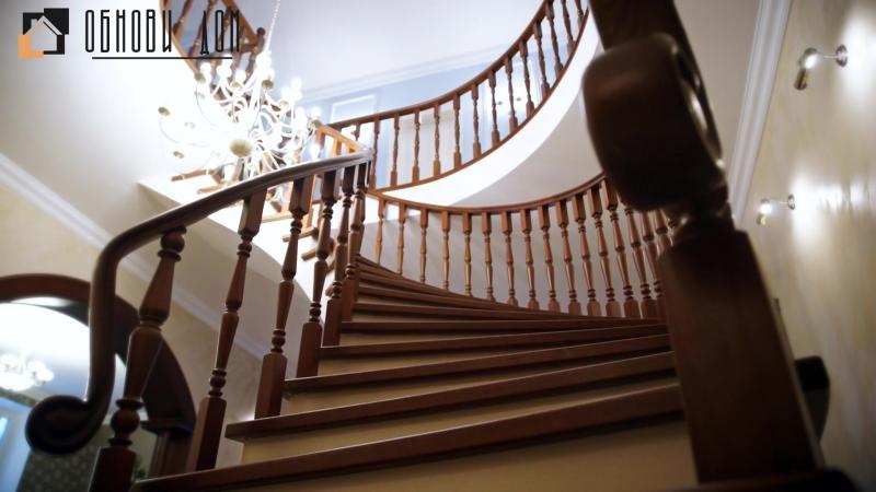 Винтовая бетонная лестница с балясинами