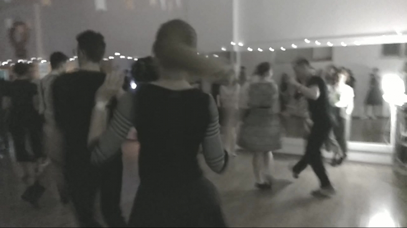A little home dance party in retro style😃