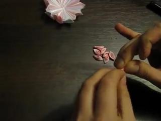 Квітка з оригінальними пелюстками своїми руками. Цветок с оригинальными лепестками своими руками