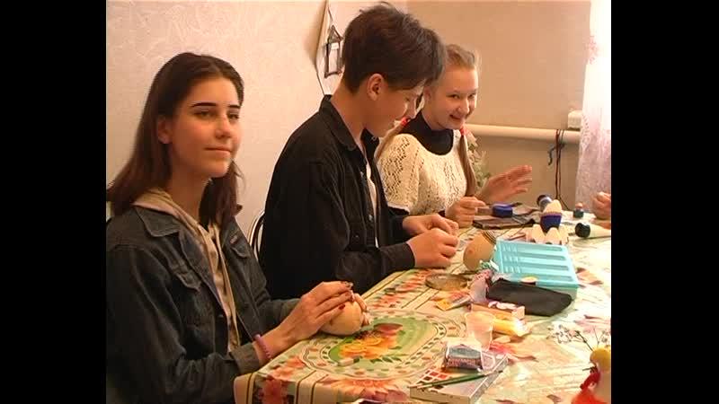 В Старобешевском доме детского и юношеского творчества прошел районный этап Республиканской выставки конкурса Пасхальный звон