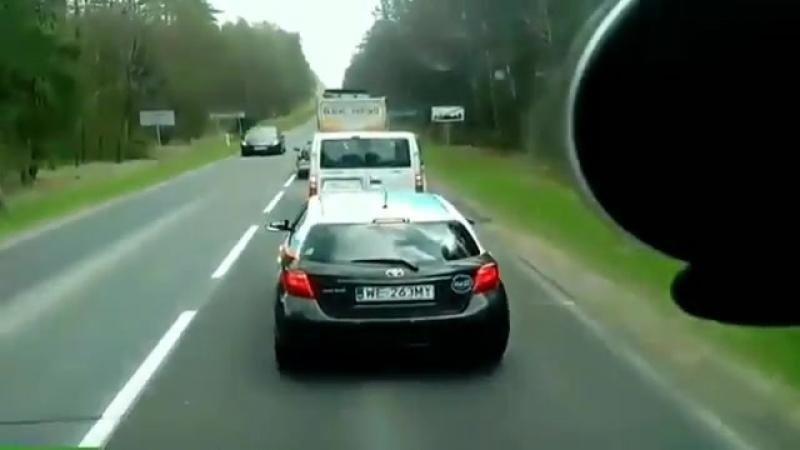 Правильный поступок на дороге.