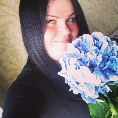 Женя Антонова