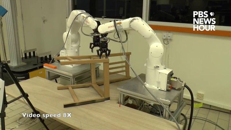 Робот собирает стул из IKEA