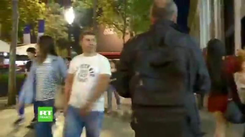 Les veaux français sur les Champs Elysées vont à l'abattoir en chantant Pathétique république judéo maçonnique