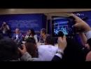 Conchita Wurst canta al Parlamento europeo