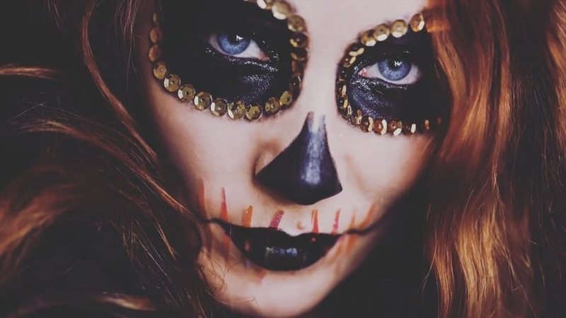 "S I M O N E S I M O N S on Instagram ""🎃Happy Halloween 🎃I had a lot of fun playing with make up to create this look. The postman surely had a good..."