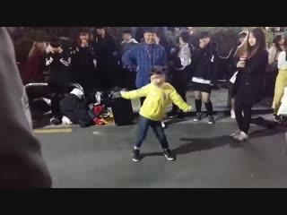 """[KPOP IN PUBLIC] Kids dance for TWICE - LIKEY""""},""""url"""" """""""