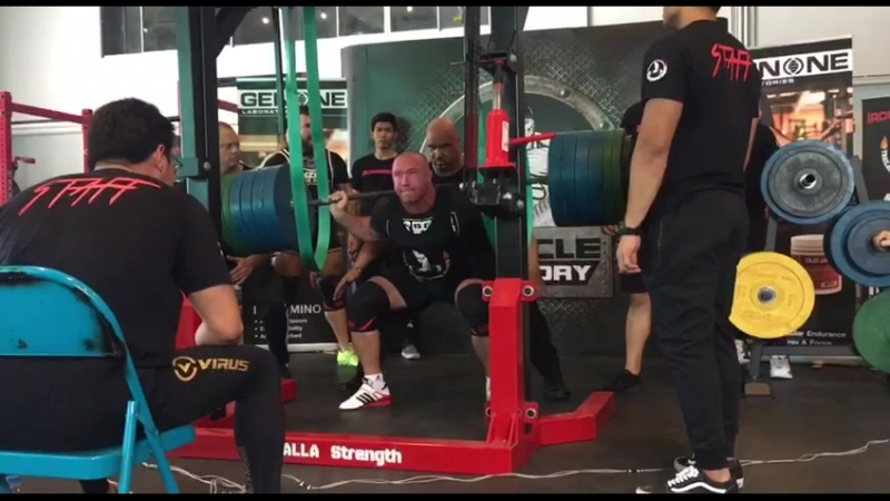 Squats 230kg/240kg with support Bear gear at RAW competitions IronWarriors in Bangkok