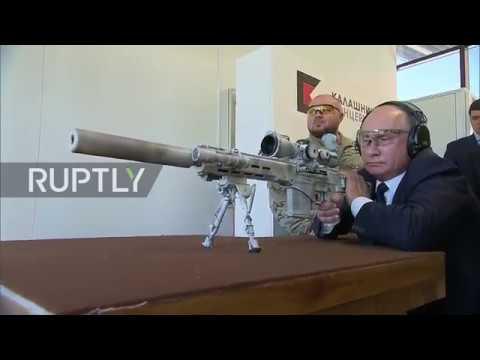 Russia: Putin tests Kalashnikov's latest sniper's rifle