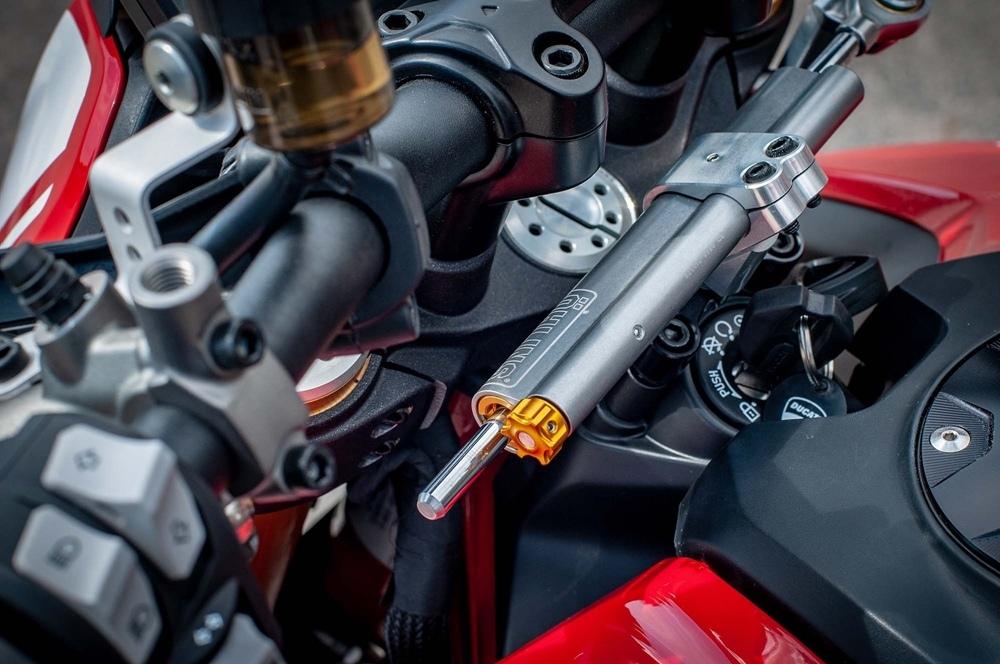 Фотографии мотоцикла  Ducati Hypermotard 950 SP 2019