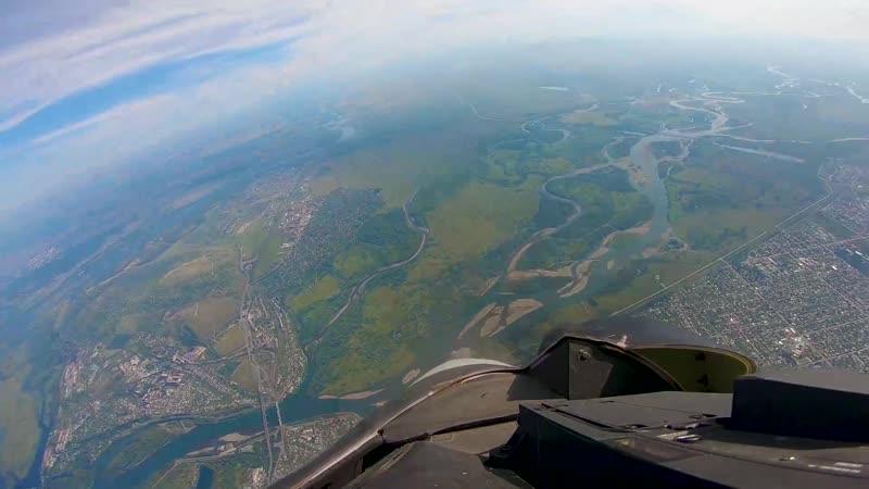 Абакан из кабины авиационной группы высшего пилотажа «Соколы России»