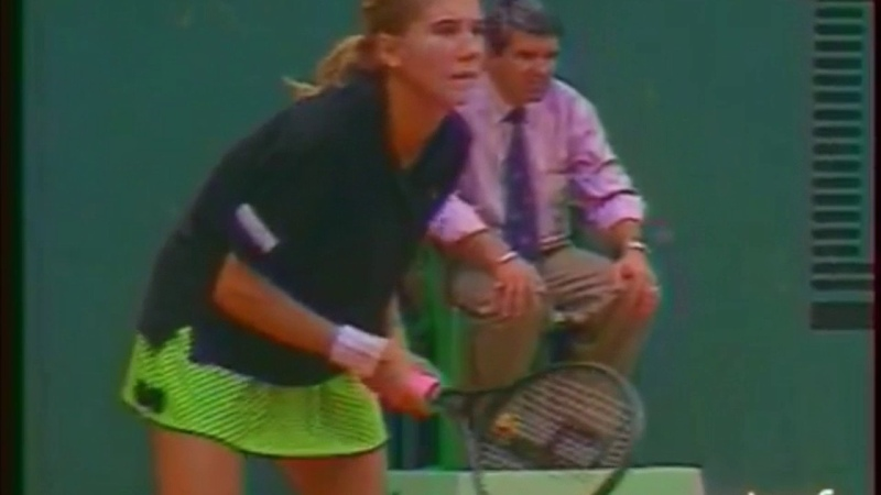 Monica Seles vs Ronni Reis 1989 RG Round 1 End of match