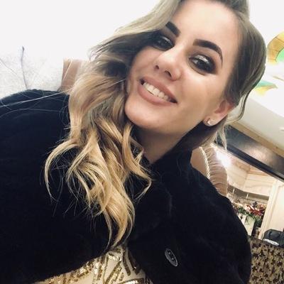 Таня Нефедова