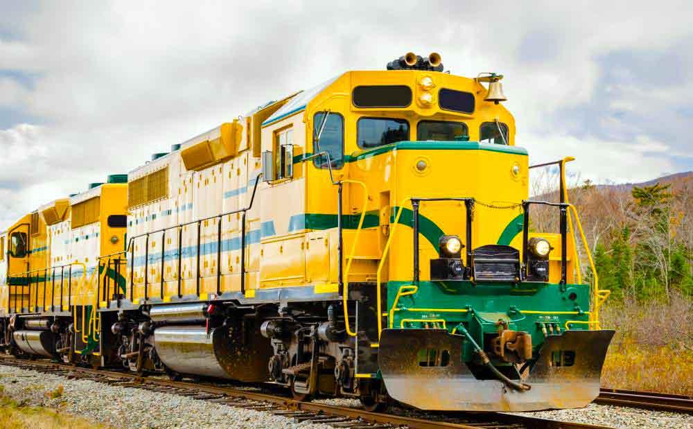 Дизель-электрические локомотивы используют турбогенераторы