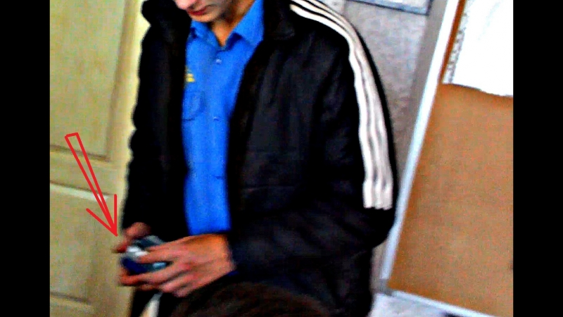 ШОК Барыга раздает школьникам спайс Нападение на человека Драка Кровь НОВОСТИ КРИВБАССА криминальныйкривойрог 18