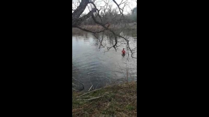 Первое купание 21апреля 2018года. У Елизаветы на дне рождении.река Нара