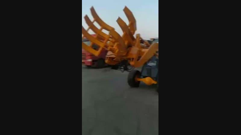 Rotating fork (wheel loader)