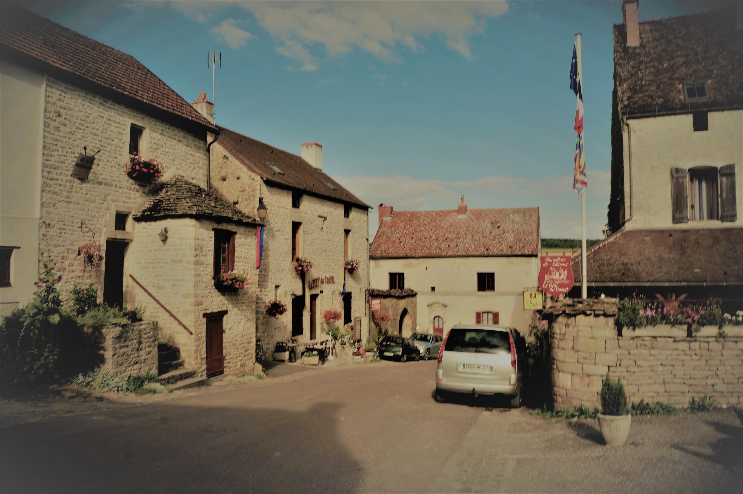 Сказочная французская деревенька Шатонёф