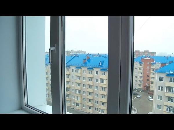 Дети-сироты в Бийске получили ключи от квартир (Будни, 12.11.18г., Бийское телевидение)