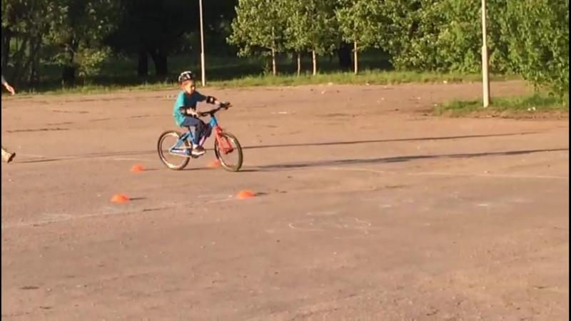 Артём, 7 лет. Велоурок № 2.