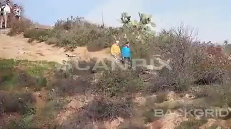 Video of Justin spotted out in Los Angeles, California. (January 18)