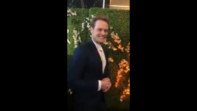 And here is @SamHeughan at the red carpet for the @televisionacad Emmy panel 😄 - - Thank you @leanneaguilera for sharing httpst
