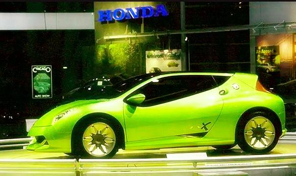 Вехи истории : 1997 Honda J-VX По традиции, не обошлась Honda и без спортсменов. Главным бегуном выступало маленькое опытное купе J-VX длиной 3840 мм. J-VX оснащен 3-цилиндровым бензиновым