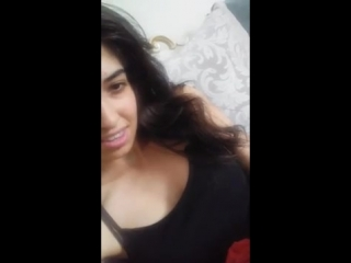 Девочка в черном zelihaCigerci показывает хорошую грудь в Periscope 18+ (малолетка, кончила, оргазм, вписка, webcam)