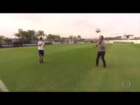 Romero passa vergonha ao tentar dominar a bola no Globo Esporte