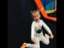 Софийка прыгает