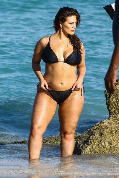 Эшли Грэм на фотосессии в Майами