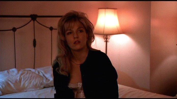 Фильм Твин Пикс: Сквозь огонь НD (1992) .