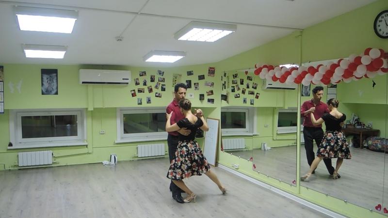 Приглашение на открытые уроки Аргентинского ТАНГО. Школа танцев AVENIDA