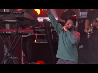 Khalid Performs _Young Dumb  Broke_
