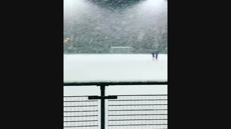 Football training at Arsenal in the snow ️