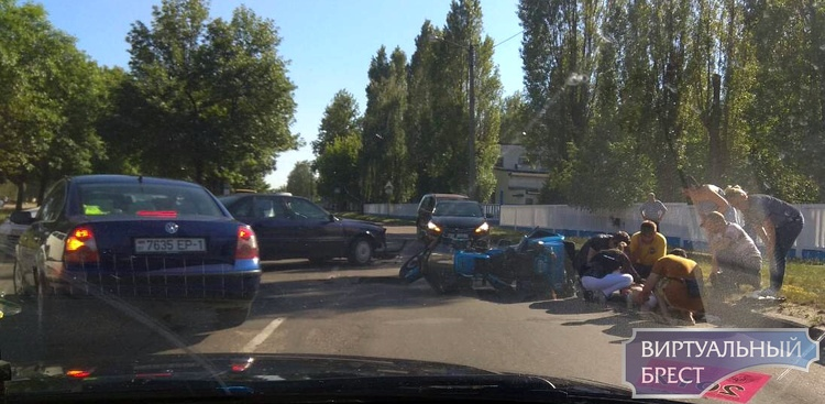 На ул. Красногвардейской в ДТП пострадала девушка-пассажир мотоцикла