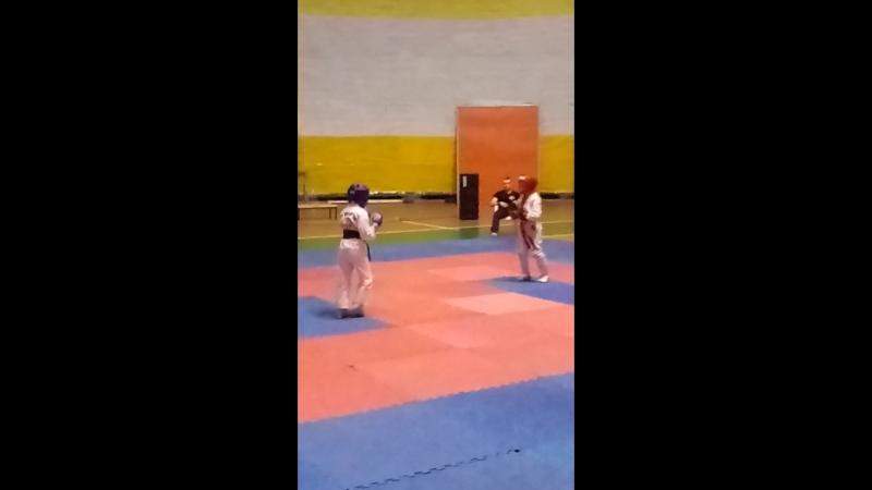 Чемпионат Донецка по рукопашному бою Артем 18(в синем)