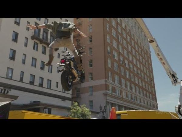 Смертельное оружие 1 сезон 2 серия. Погоня на мотоцикле. Взрыв грузовика с пропаном.