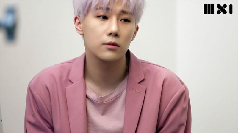 "MXI on Instagram: "". SUNG-KYU- . 이보다 더 멋있을 수 없는 성규의 표지 화보 메이킹 . 그의 화보52"