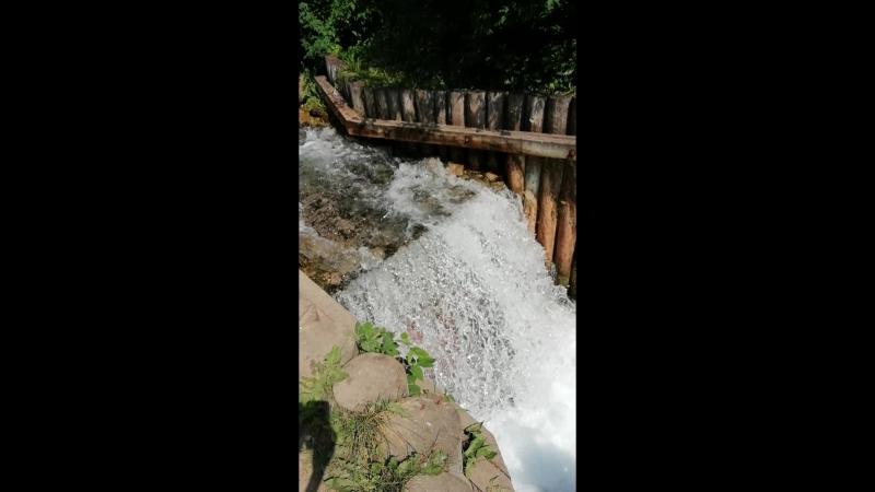 Водопад Голубое озеро
