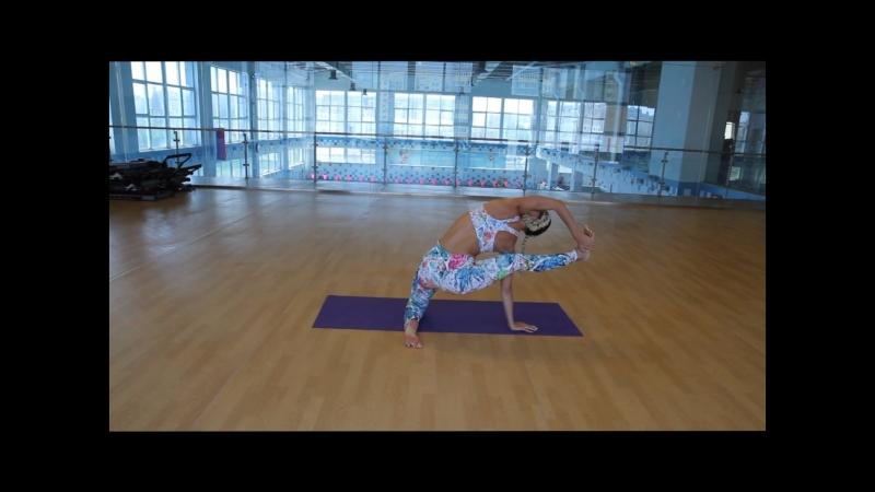 Йога для укрепления мышц комплекс упражнений от Юлии Кравченко, тренера «Магис Спорт»